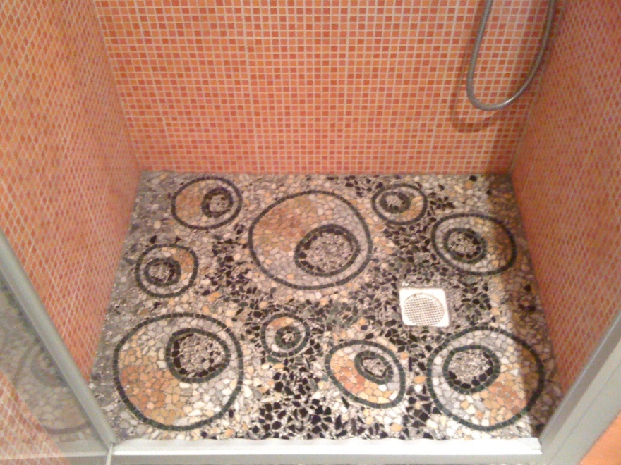 Piatto doccia in graniglia di marmo 2.